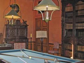 Bibliothèque et billard du château de Rambures