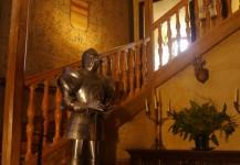 Grand escalier du chateau de Rambures