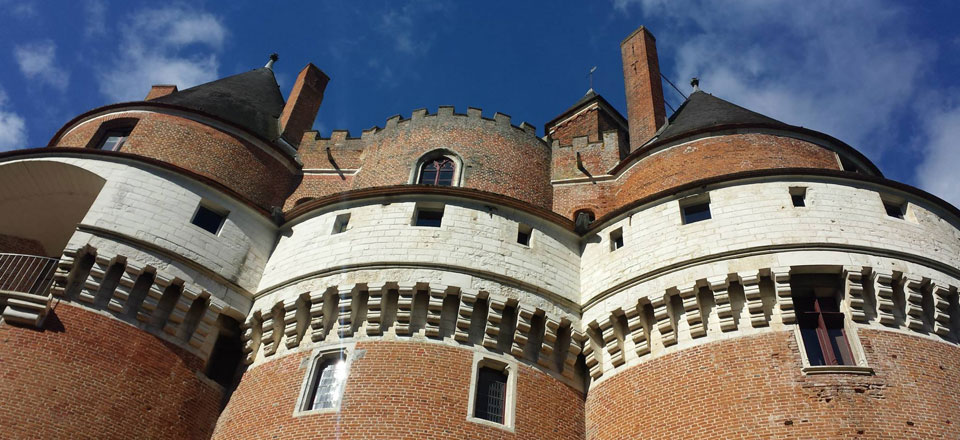 Tours du chateau de Rambures en baie de somme